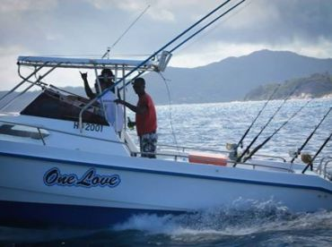 One Love Boat Charter - Seychelles, Grand Anse
