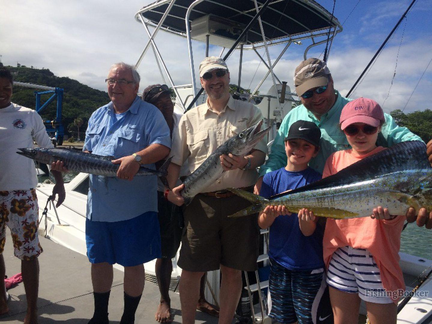 Mahi mahi fishing tours diana puerto plata dominican for Dominican republic fishing
